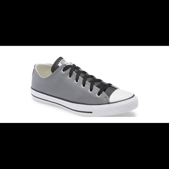 Converse Chuck Taylor Ox Leather Size 11.5
